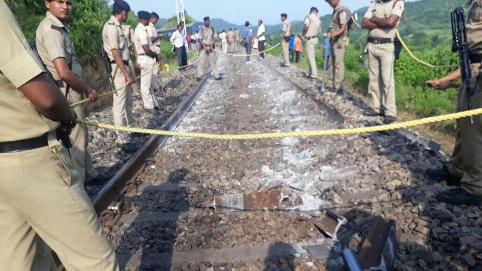 Howrah-Jabalpur Shaktipunj Express derails, no casualties reported