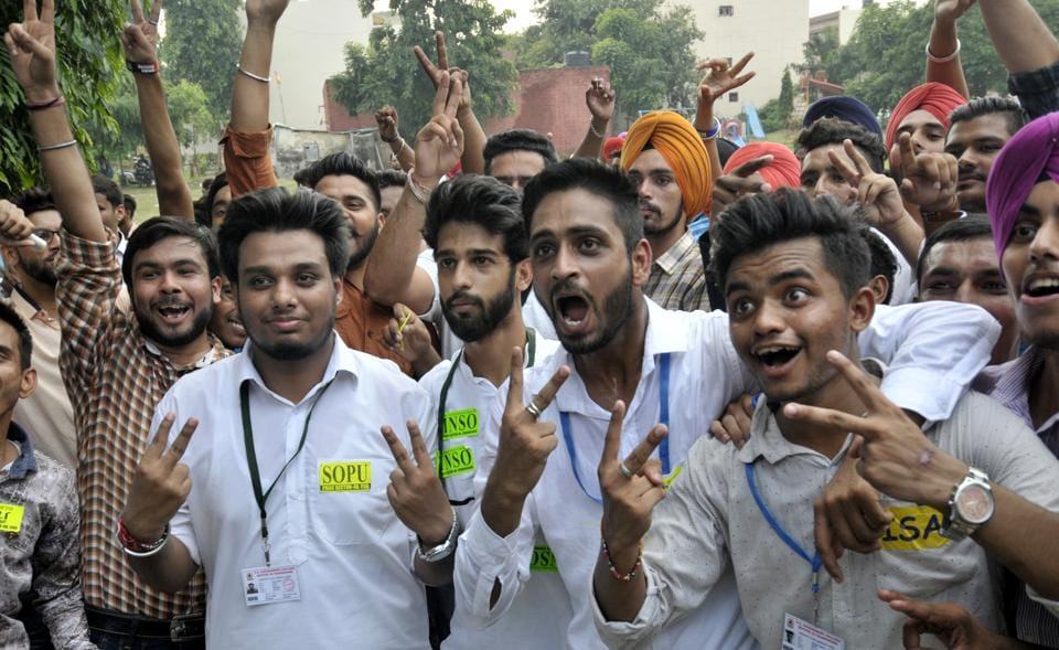 (From left) President Rahul Khera, vice-president Nikhil , general secretary Manish and joint secretary Sarabjit Singh in a jubilant mood after winning the student poll in Government College, Sector 46. (Ravi Kumar/Ht)