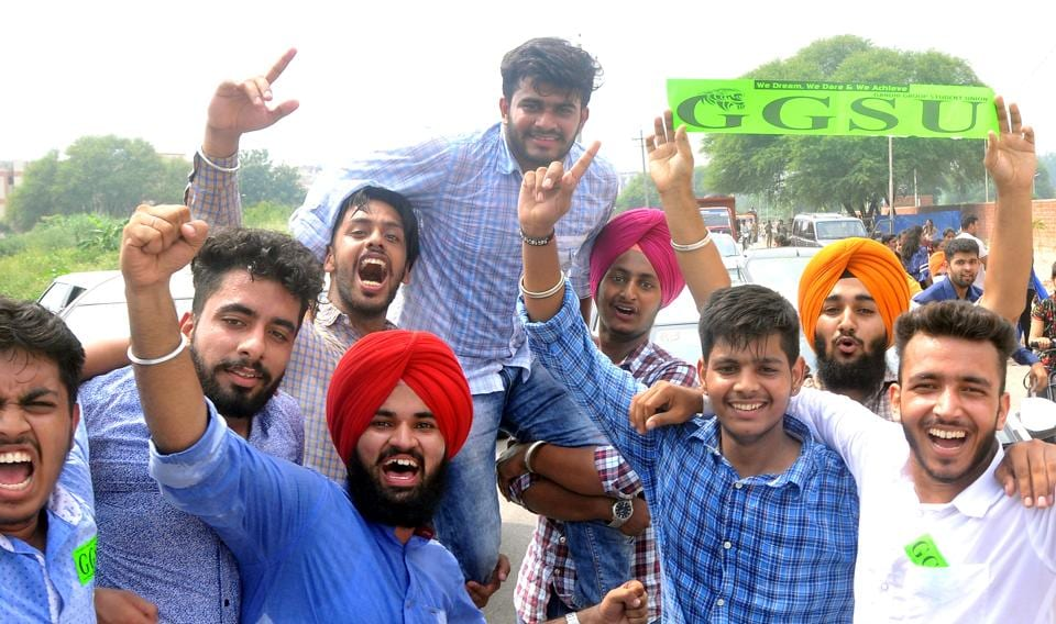 Newly elected GGSU president Piyush celebrating at Commerce College in Sector 50 in Chandigarh. (HT PHoto)