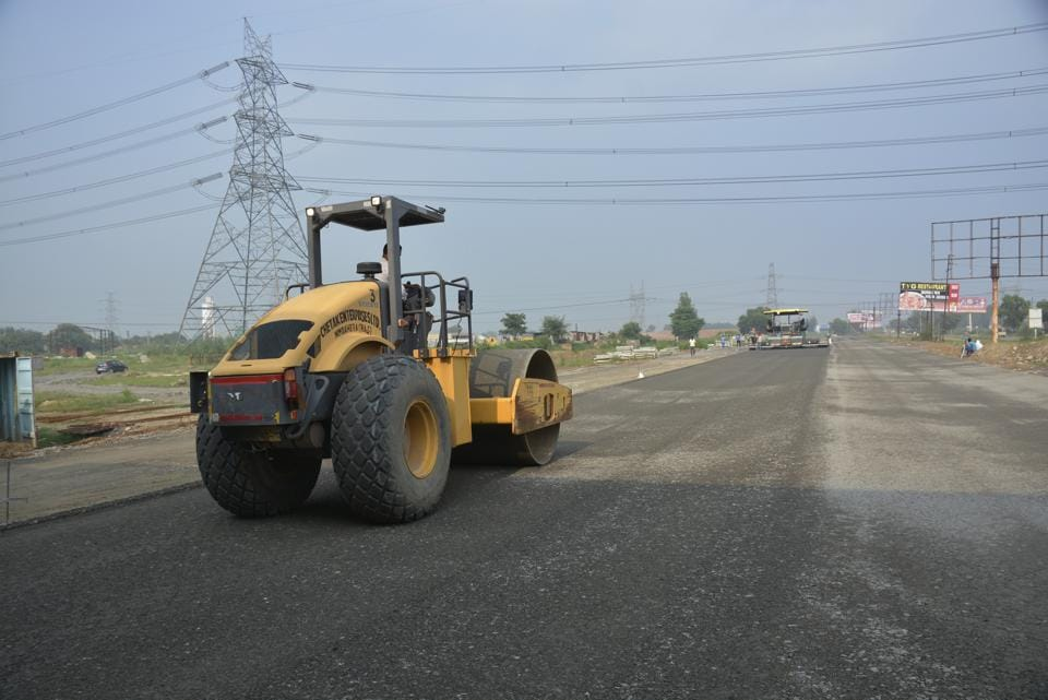Prime Minister Narendra Modi had laid the foundation stone of the Delhi-Meerut Expressway project.