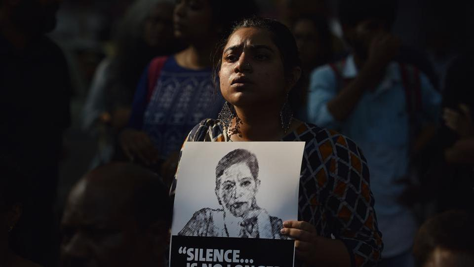 People participated in a protest called 'Not In My Name' at Jantar Mantar in New Delhi against the killing of senior journalist Gauri Lankesh. She was shot dead at her residence on Tuesday, was a vocal opponent of right-wing excess and was present at the forefront of protests denouncing them in Karnataka.  (Ravi Choudhary/HT PHOTO)