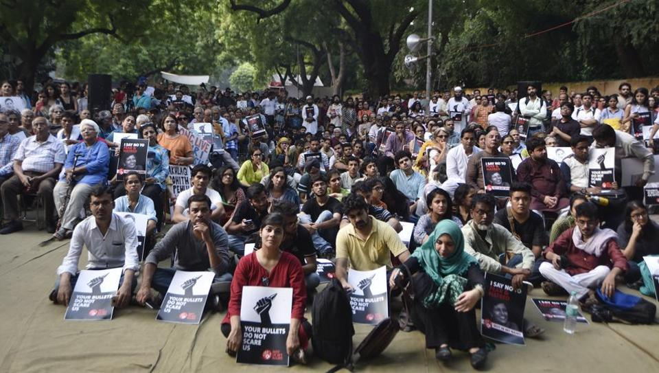 Scores of people, including editors, social activists, poets, and teachers, today paid tributes to slain journalist Gauri Lankesh at a protest at Jantar Mantar in New Delhi.