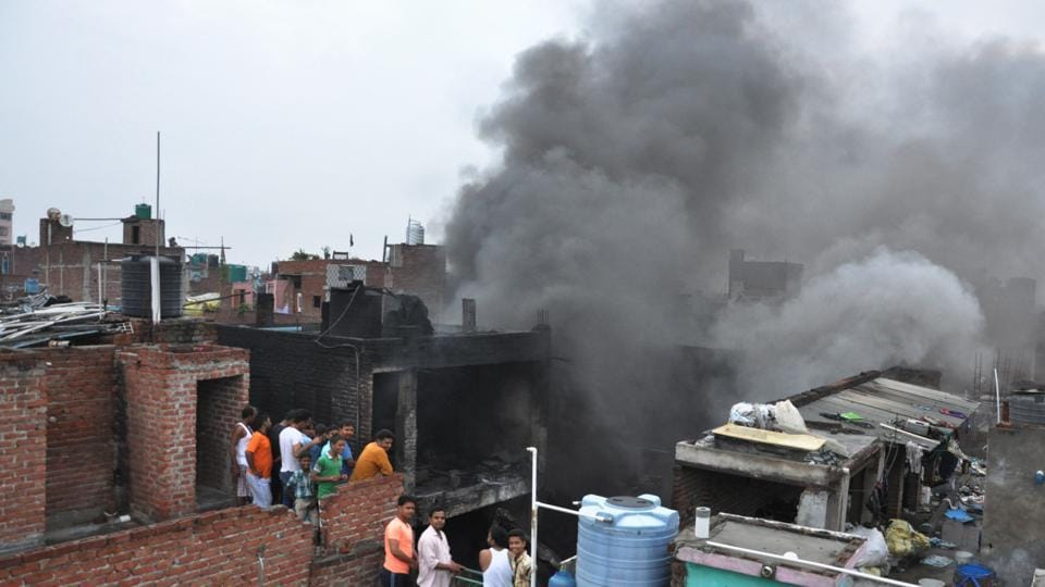 Two major fires broke out in Ghaziabad on Thursday morning.