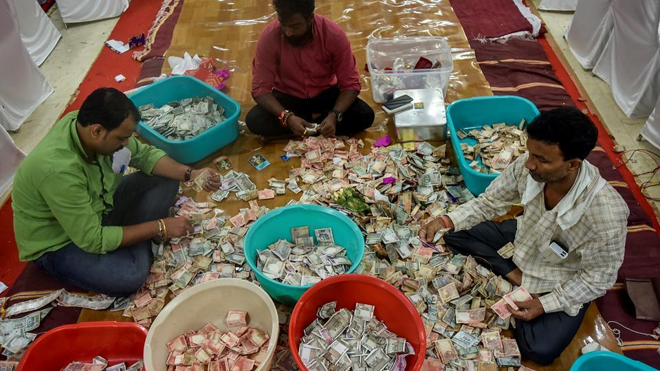 ANY TIME MONEY: The cash collection so far has touched Rs5.8 crore. (Kunal Patil/HT Photo)