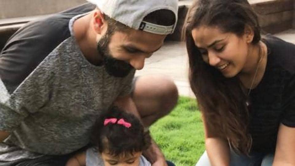 Shahid Kapoor, Mira Rajput and their daughter Misha.