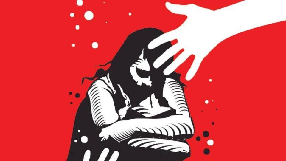 police excess,woman beaten,cop beats woman
