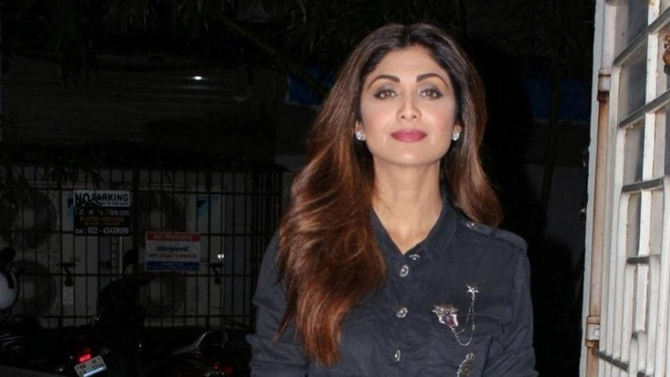 Hotel bouncers assaulted two photographers while they were trying to click pictures of Shilpa Shetty.