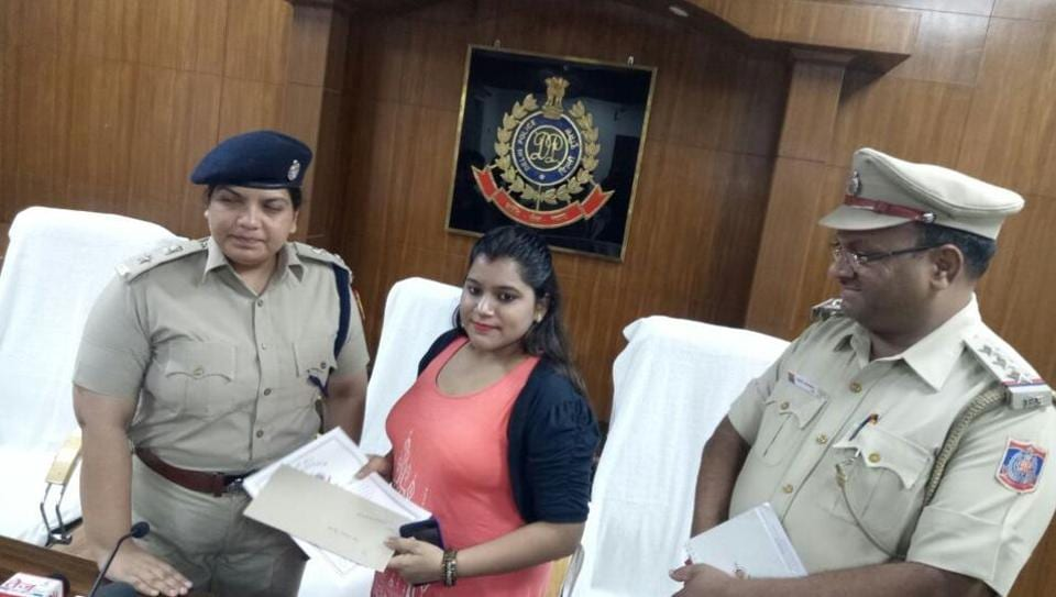 Disha's acts were also applauded by senior Delhi police officers who later rewarded her with a cash reward and a commendation roll.