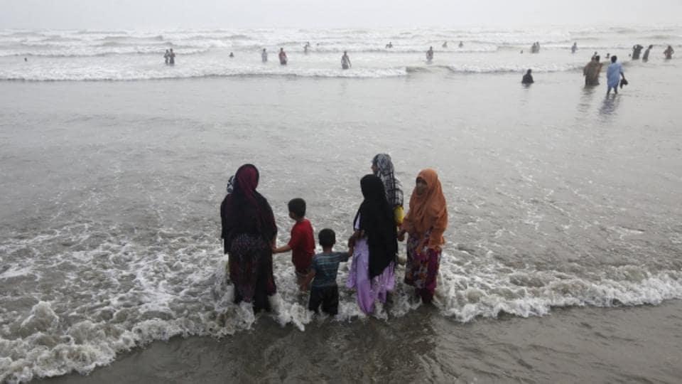 Karachi,Karachi beach,Family drown