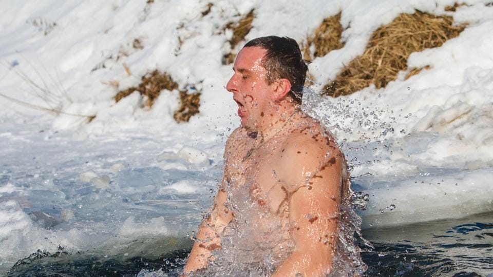 James Bond Shower: 7 reasons why taking a cold shower in winter is healthy  for you - Hindustan Times