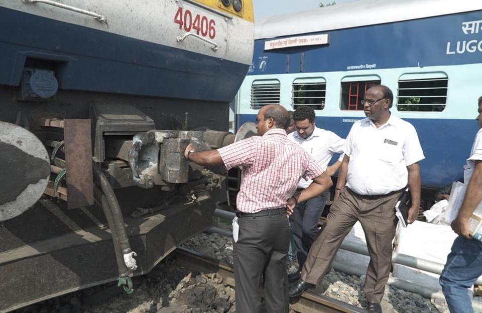 In yet another close shave for train passengers, engine of Varanasi-bound New Delhi-Varanasi Shiv Ganga Express got detached with bogies thrice.
