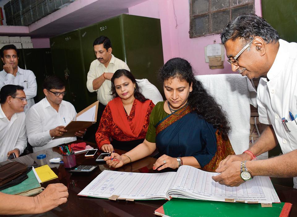 New Ghaziabad DM Ritu Maheshwari to focus on policy