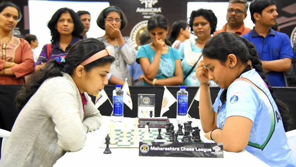 City's top players WGM Soumya Swaminathan (L) and WIM Akanksha Hagawne clash during Maharashtra Chess League in 2015.