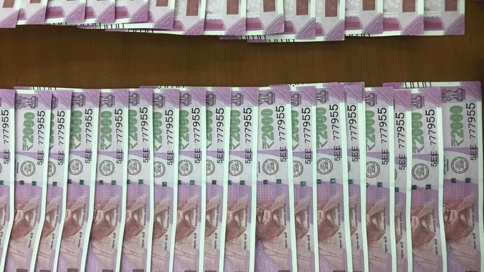 Mumbai,fake notes,Rs2000