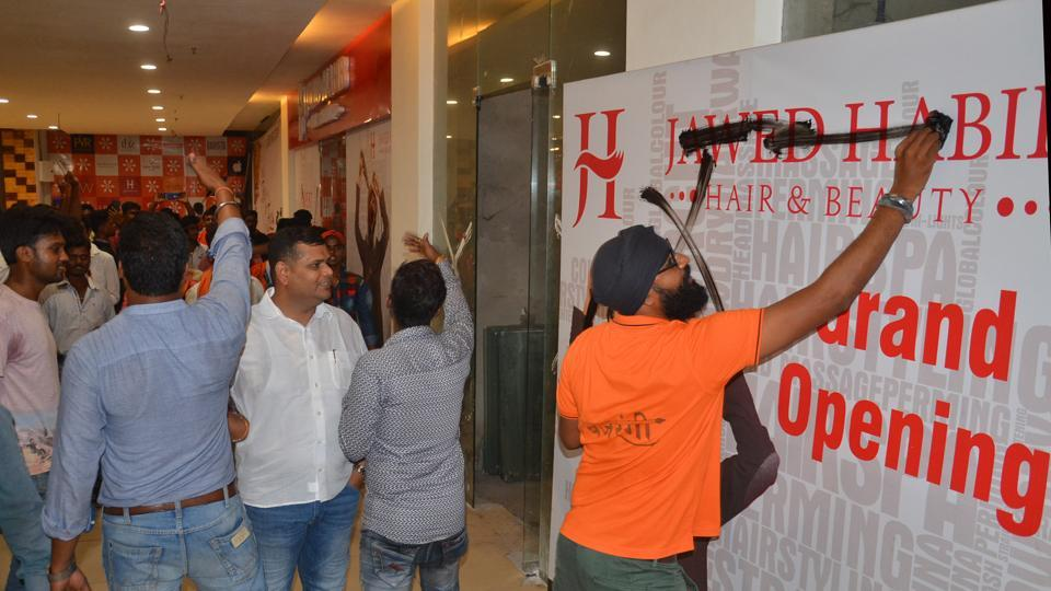 Jawed Habibs Maa Durga In Salon Reflects Bengals Love For The