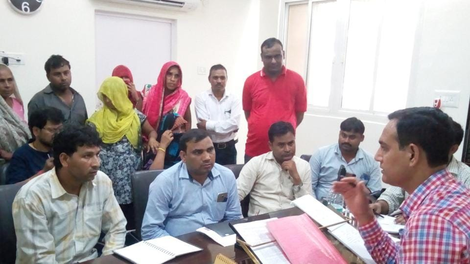 Parents and family members of Saumya met district administration officials on Monday and alleged lax attitude of school authorities.