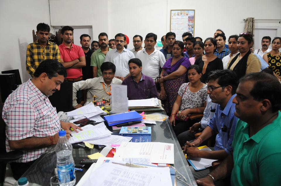 More than 100 parents from various schools gathered at the Mini-Secretariat on Monday.