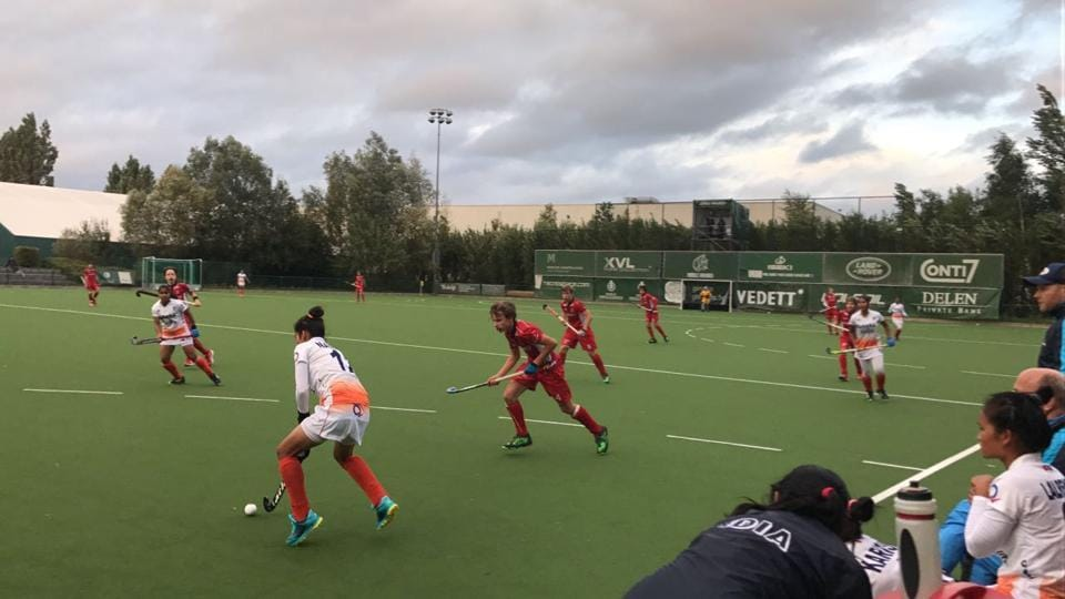 The Indian women's hockey team drew 2-2 against the Belgian men's junior team.