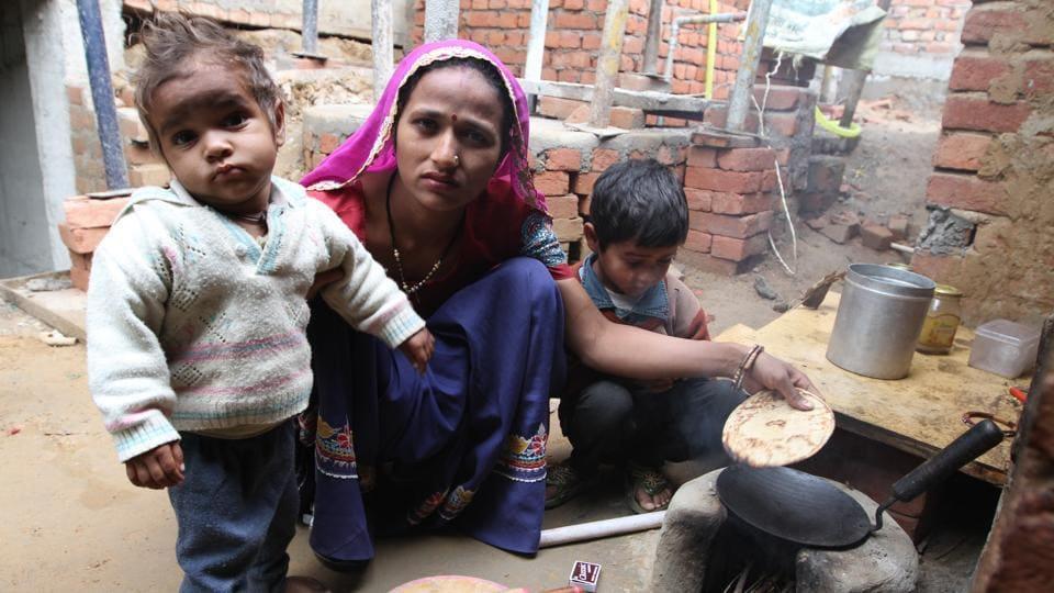 Indoor air pollution,Stunted children,WHO Child Growth Standards