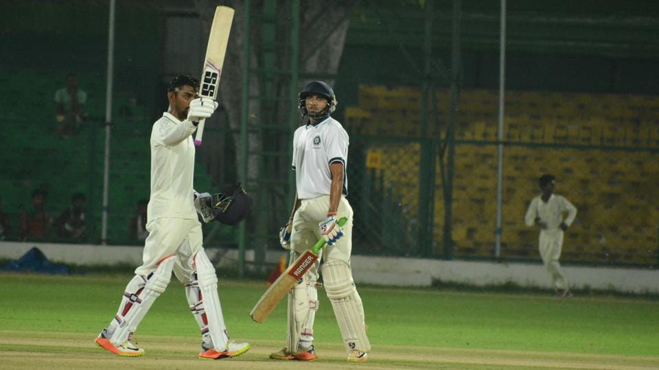 Baba Indrajith's (L) century lifted India Red to 291/9 vs India Blue in a Duleep Trophy game.