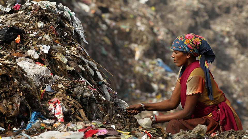 Cities such as Bobbili in Andhra Pradesh and Alappuzha and Alleppey in Kerala are using decentralised waste management techniques such as pipe composting, bio-gas units and aerobic bins. One biogas unit can provide fuel for cooking one meal a day, says a Centre for Science and Environment report. Cities which initiated reforms and found success could not have done so without the help of willing citizens. We need to consume less and discard judiciously.  (Ajay Aggarwal / HT Photo)