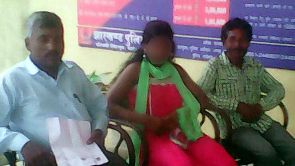 Reunion of the tribal girl with her family members at Sonua police station in Jharkhand's West Singhbhum