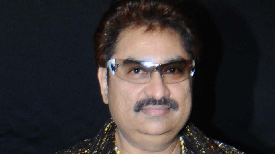 Kumar Sanu has sung the title track of the television show titled Yeh Un Dinon Ki Baat Hai.