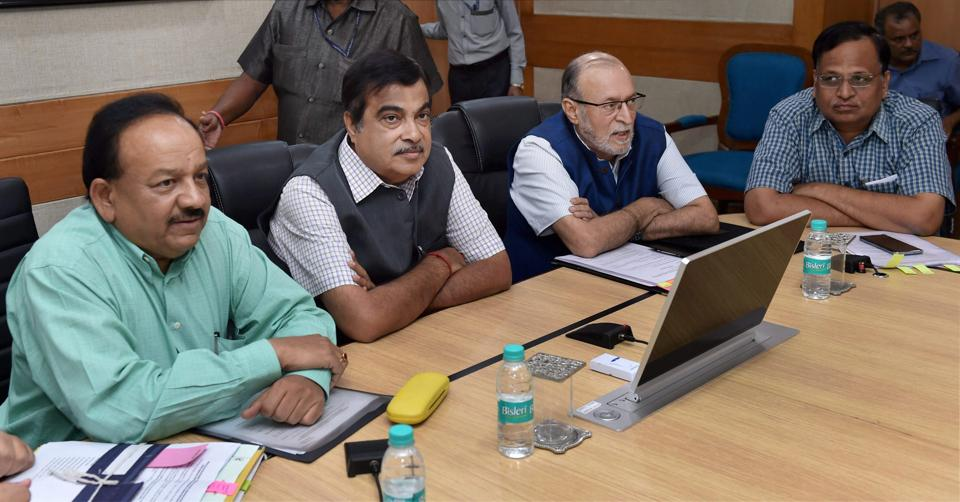 Union Minister for Road Transport & Highways, Nitin Gadkari, Minister of Earth Sciences, S & Tech, Environment, Forests & Climate Change, Harsh Vardhan, Lieutenant Governor of Delhi, Anil Baijal and Delhi Health Minister Satyendra Jain during a meeting on