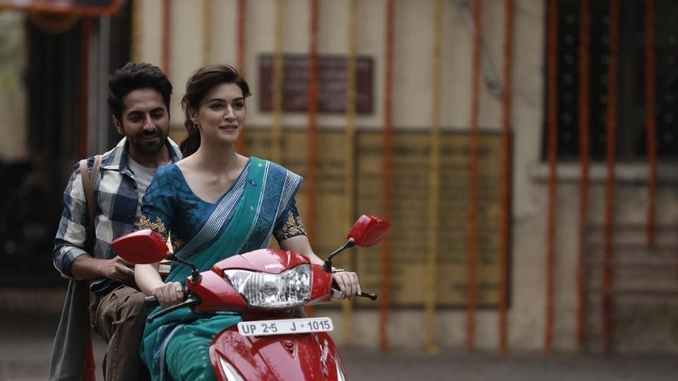Ayushmann Khurrana and Kriti Sanon in a still from Bareilly Ki Barfi.