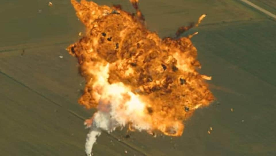 Screen grab from SpaceX's video titled 'how Not to Land an Orbital Rocket Booster'.