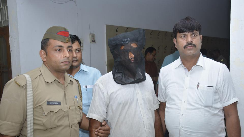 The police unravelled the blind murder case with the help of a SIM card and arrested the suspect, Umesh Kumar Sharma.