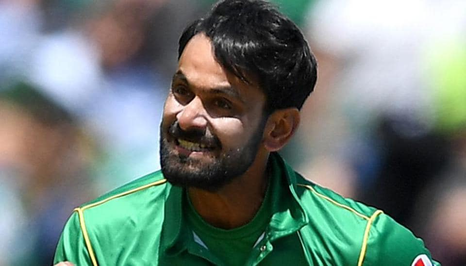 Pakistan cricket selectors have excluded Mohammad Hafeez from the South Africa Test series.