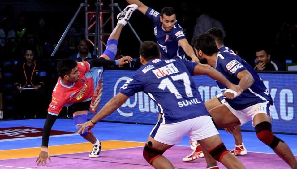 Jaipur Pink Panthers and Dabang Delhi players in action during their Pro Kabaddi League encounter.