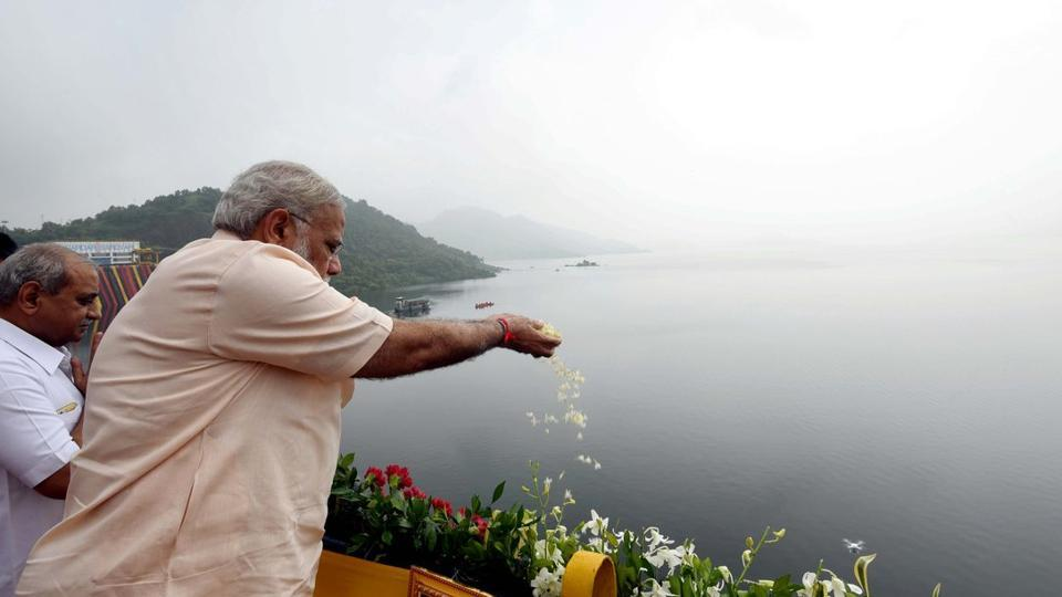Image result for narender modi sardar sarovar dam