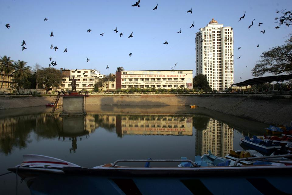 Veer Savarkar Udyan in Borivli (west) is among 40 open spaces which are yet to taken back.