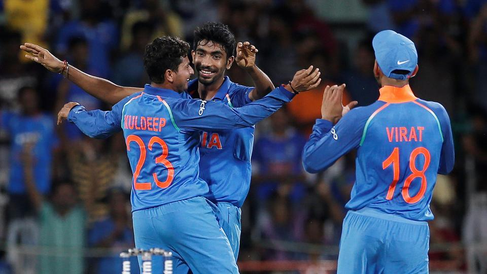 Jasprit Bumrah and Kuldeep Yadav gave India early breakthroughs as Australia's chase stuttered early on. (REUTERS)