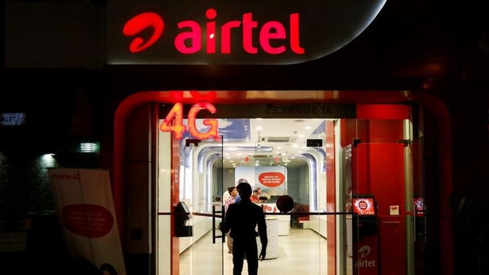 A man at a Bharti Airtel store in New Delhi. Airtel is giving up to 60GB of free data to postpaid users. (Reuters file photo)