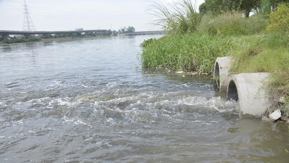 According to official estimates, the stretch of river Hindon in seven districts comprises nearly 400 industries.