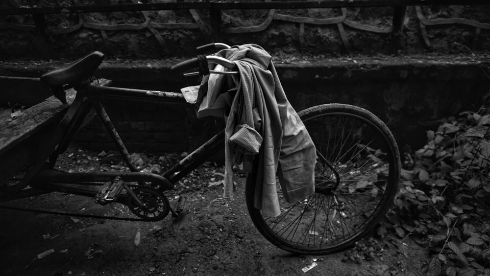 Most workers will walk it to work or travel on a cycle. The minimum wages are so low that it affords them no dignity of a standard of living.  Workers say they depend on private odd jobs to get by. (Ravi Choudhary / HT Photo)