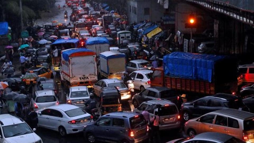 Vehicles are seen stuck in a traffic jam at an intersection after rains in Mumbai, India, August 29, 2017.
