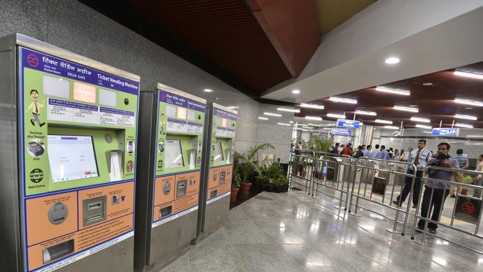 Delhi Metro removes token counters from 70 stations, time to