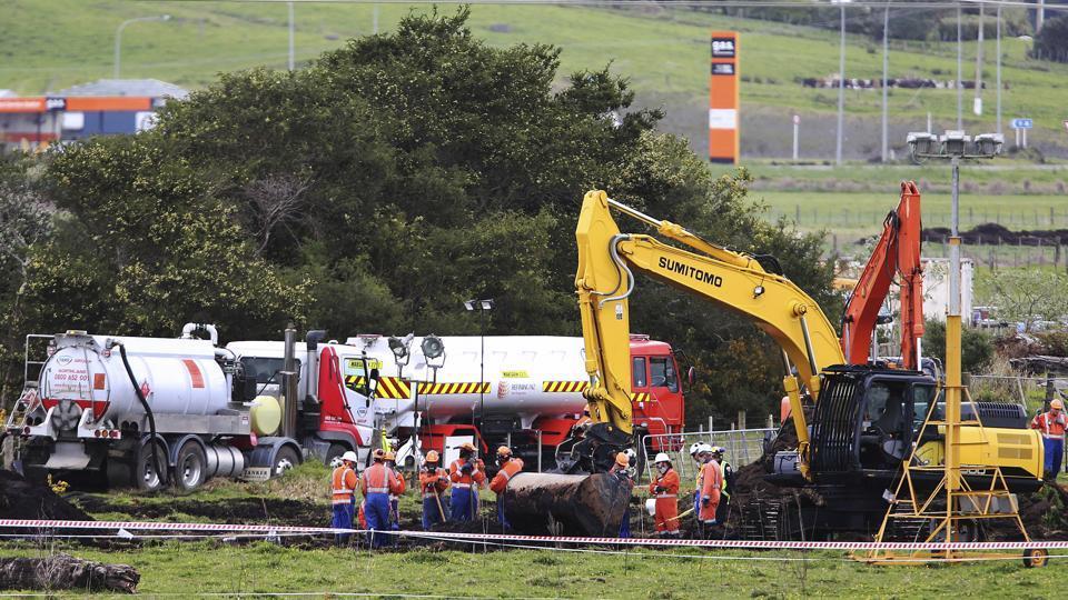 Airlines Cancel NZ Flights, Ration Fuel After Pipeline Leak