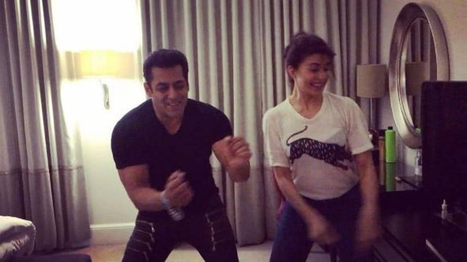 Salman Khan and Jacqueline Fernandez sing along as they groove to Tan Tana Tan.