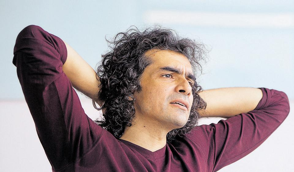 Bollywood film director and writer Imtiaz Ali was a student of English at Hindu College,Delhi University.