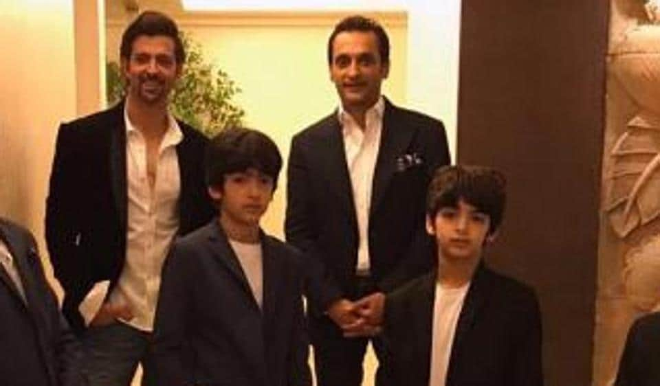 Hrithik Roshan shares new picture with his sons Hrehaan and Hridhaan.