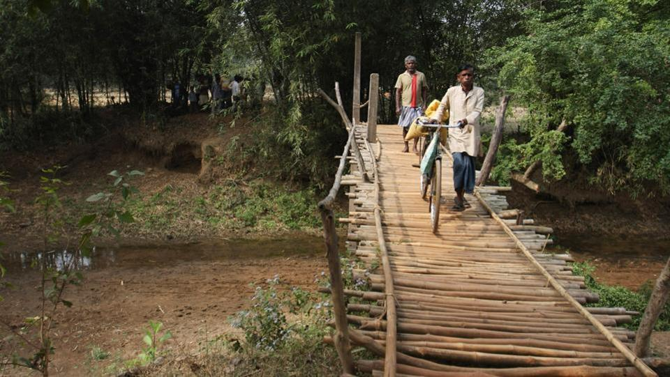Here is a bamboo bridge made by the villagers which connects the Nakeagunj to Bhargora block to West Bengal's Balia (West Midnapur). The bridge saves an otherwise 20kms of travel between the villages. (Parwaz Khan / HT Photo)