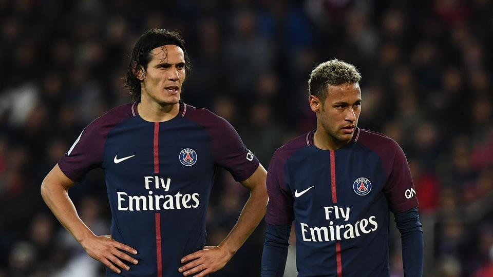 Edinson Cavani (L) and Neymar are Paris Saint-Germain's two star forwards.