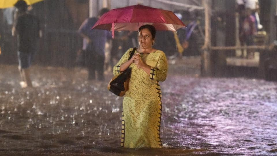 Three weeks after a deluge, rains returned to haunt Mumbai with city receiving 303.7 mm of rainfall between Tuesday and Wednesday mornings, the second highest after the 318.2mm recorded on September 12, 1981. Parts of Colaba, Churchgate, CST, Dadar, Worli, Bandra, Santacruz, Vile Parle, Andheri, and Borivali received very heavy rainfall.  (Kunal Patil / HT Photo)