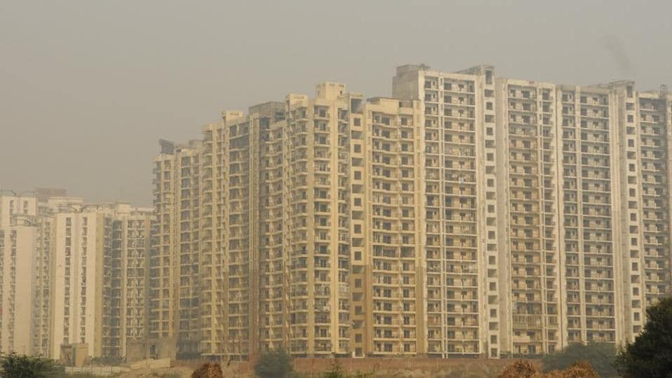 n Noida, a builder can deposit 10% of the total land dues and register flats by paying the remaining dues per housing unit.