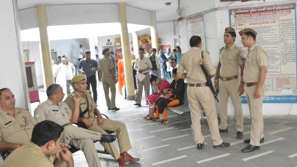 The Ghaziabad senior superintendent of police (SSP), HN Singh, on Tuesday transferred 132 police personnel.